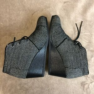 Toms Shoes - TOMS Wedge Booties